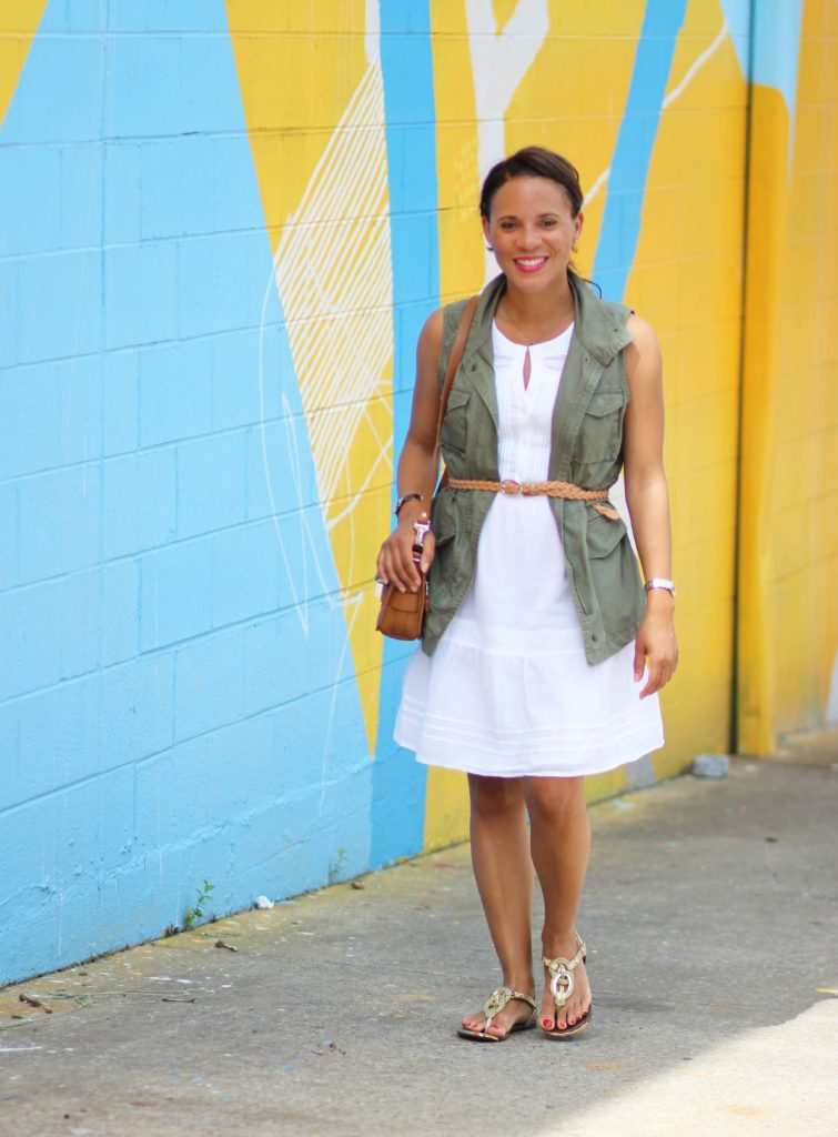how to wear a military vest