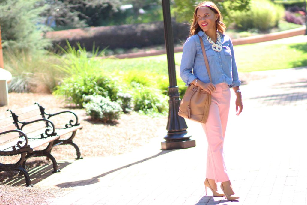 fall blush outfit, old navy denim shirt womens, zara nude suede heels, old navy camel bucket bag, loft blush pants